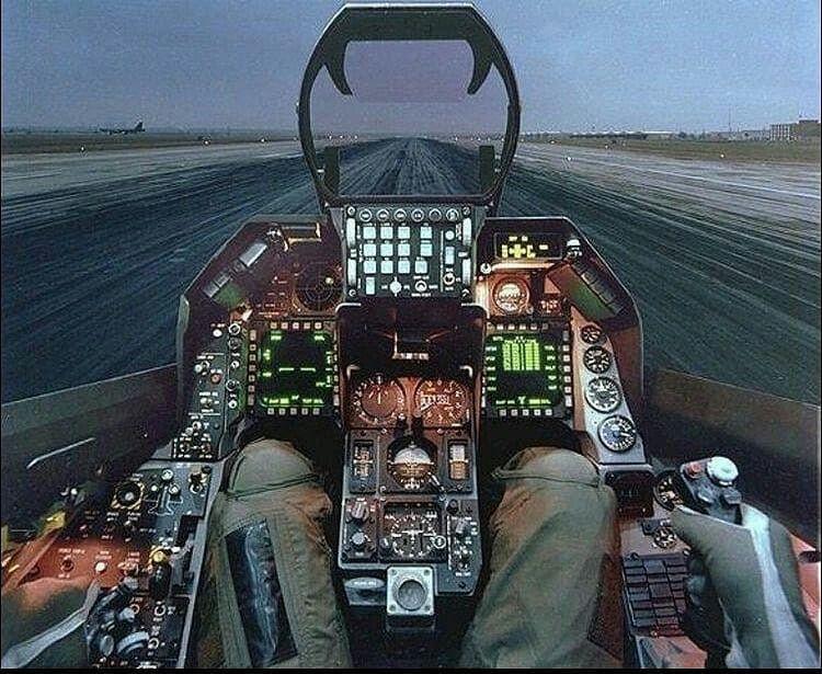F16 cockpit